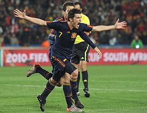 Villa comemora Fabregas Espanha X Paraguai