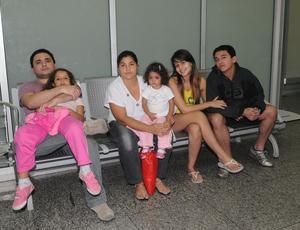 Família no desembarque da seleção brasileira de futebol Copa do Mundo