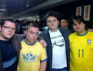 http://s.glbimg.com/es/ge/f/original/2010/07/04/torcedorbrasilcumbica_gcom_30.jpg