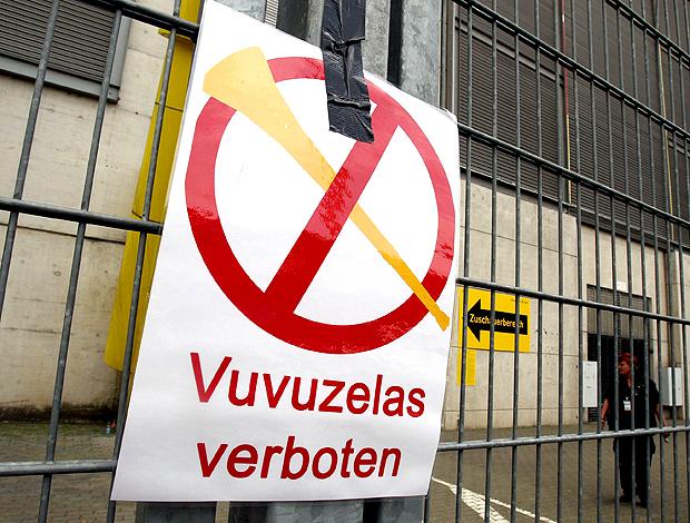 vuvuzela proibida no treino da borussia dortmund