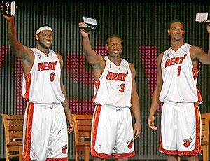 LeBron James Wade Bosh apresentação Miami Heat