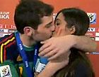 Casillas se emociona e dá beijão em Sara (Reprodução / Marca.com)