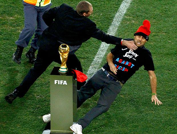 torcedor invasão taça Copa do Mundo