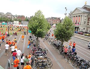Bicicletas estacionadas em Amsterdã.