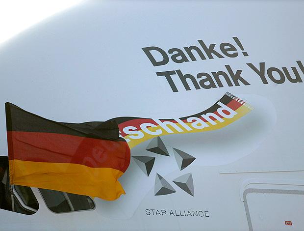 avião desembarque alemanha agradece aos jogadores