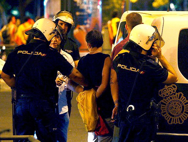 torcedida Espanha preso policiais comemoração