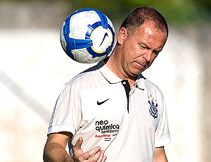 Mano Menezes técnico Corinthians treino