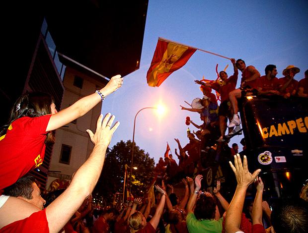 torcida espanha madrid comemora título