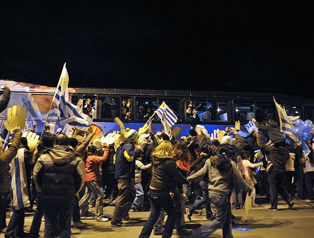 Uruguai desembarque torcida Copa