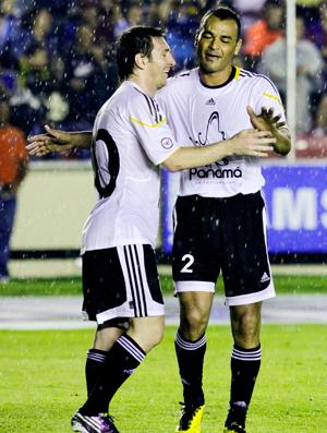 Messi e Cafu, jogo amigos x resto do mundo