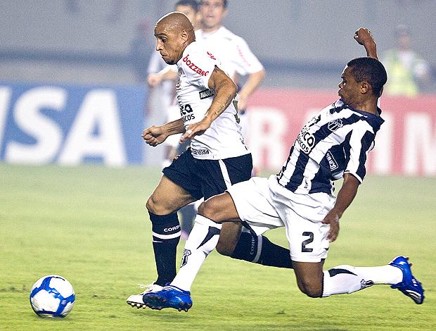 Roberto Carlos Corinthians Oziel Ceará