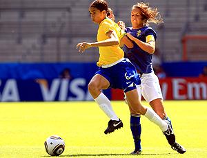 Rafaelle Brasil e  Emilia Appelqvis Suécia - FIFA Mundial Sub 20 Feminino