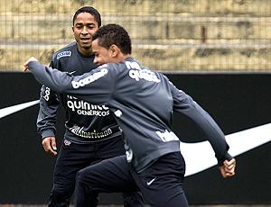 Dentinho e Jorge Henrique, treino Corinthians