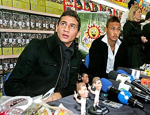 Neymar e Ganso, lançamento bonecos