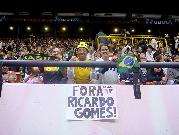 vôlei cartaz fora Ricardo Gomes
