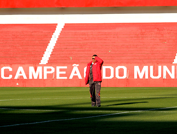 Celso Roth, técnico do Internacional
