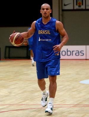 Alex, jogador Basquete Brasil treino
