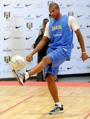Leandrinho, jogabor basquete Brasil