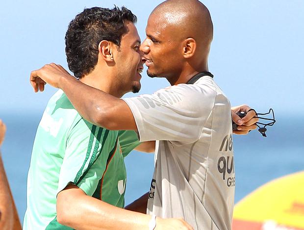 Fernando Henrique Fluminense abraça Jefferson Botafogo