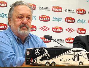 Luis Álvaro presidente do Santos coletiva ônibus