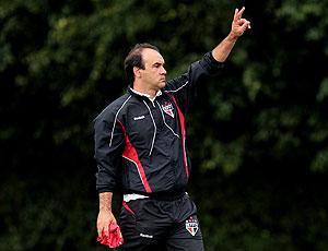 Ricardo Gomes no treino do São Paulo