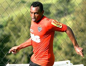 Obina no treino do Atlético-MG