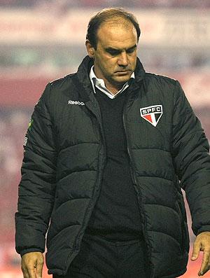 Ricardo Gomes no jogo do São Paulo