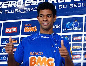 Wallyson é apresentado no Cruzeiro