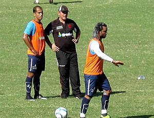 Felipe Pc Gusmão e Carlos Alberto no treino do Vasco