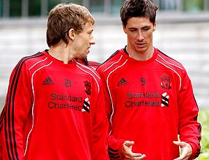 Fernando Torres e Lucas Liverpool, conversam treino