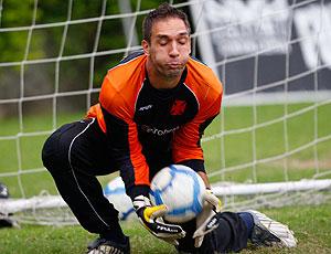 Fernando Prass no treino do Vasco