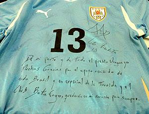 Camisa que Louco Abreu deu para o Botafogo.