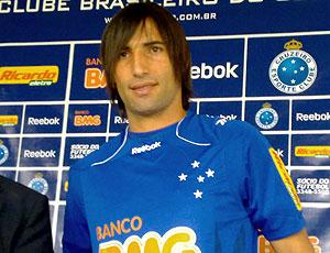 Ernesto Farías, do Cruzeiro.