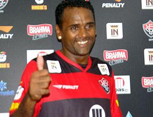 Kleber Pereira apresentado no Vitória