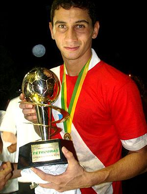 Paulo Henrique Ganso com troféu na final da Copa do Brasil