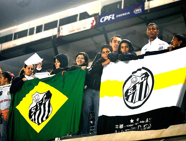 torcida do Santos na Vila Belmiro comemoração Copa do Brasil