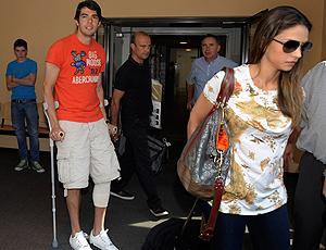 Kaká sai do hospital pos cirurgia