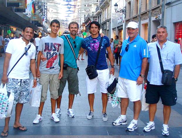 Lazaroni, Marcinho e outros atletas do Qatar SC passeiam em Madri