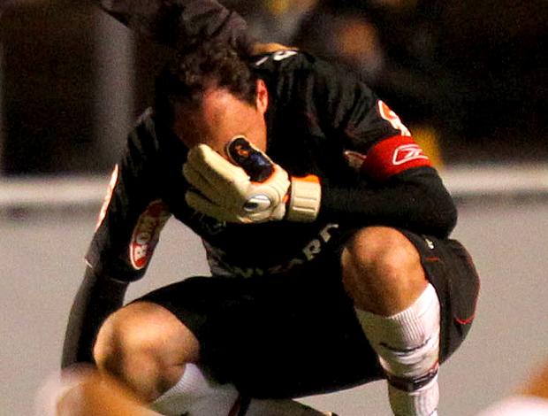 Rogério Ceni chora após a Eliminação