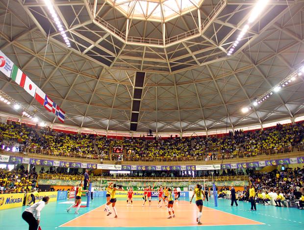 Ginásio Milton Olavo Filho, São Carlos Brasil x Japão - Grand Prix vôlei (Foto: AE)