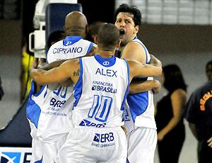 comemoração do Brasília de basquete