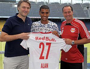 Alan apresentado no Red Bull Salzburg