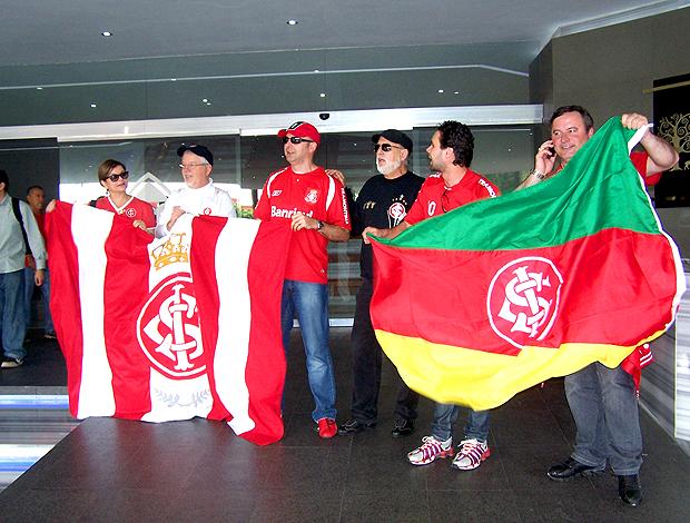 Torcedores do Inter, no hotel do time em Guadalajara
