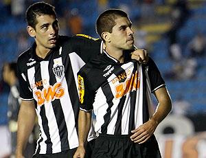 Ricardinho comemora gol do Atlético-MG contra o Grêmio Prudente