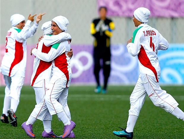 Jogadoras Iranianas, Futebol