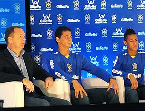 Mano Menezes Ganso e Neymar em evento da seleção brasileira