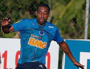 Robert no treino do Cruzeiro
