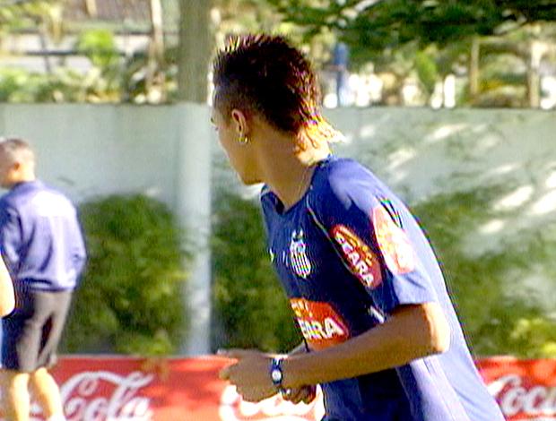 Frame: Neymar novo penteado cabelo. Santos