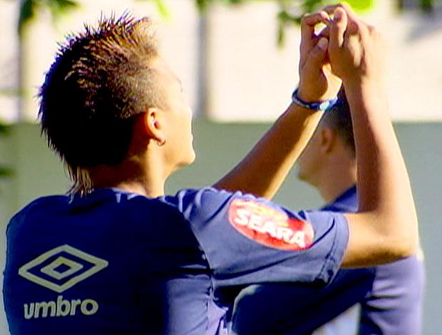 Frame: Neymar e novo cabelo. Santos