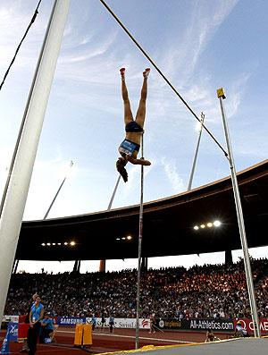 Fabiana Murer no salto com vara na Suíça